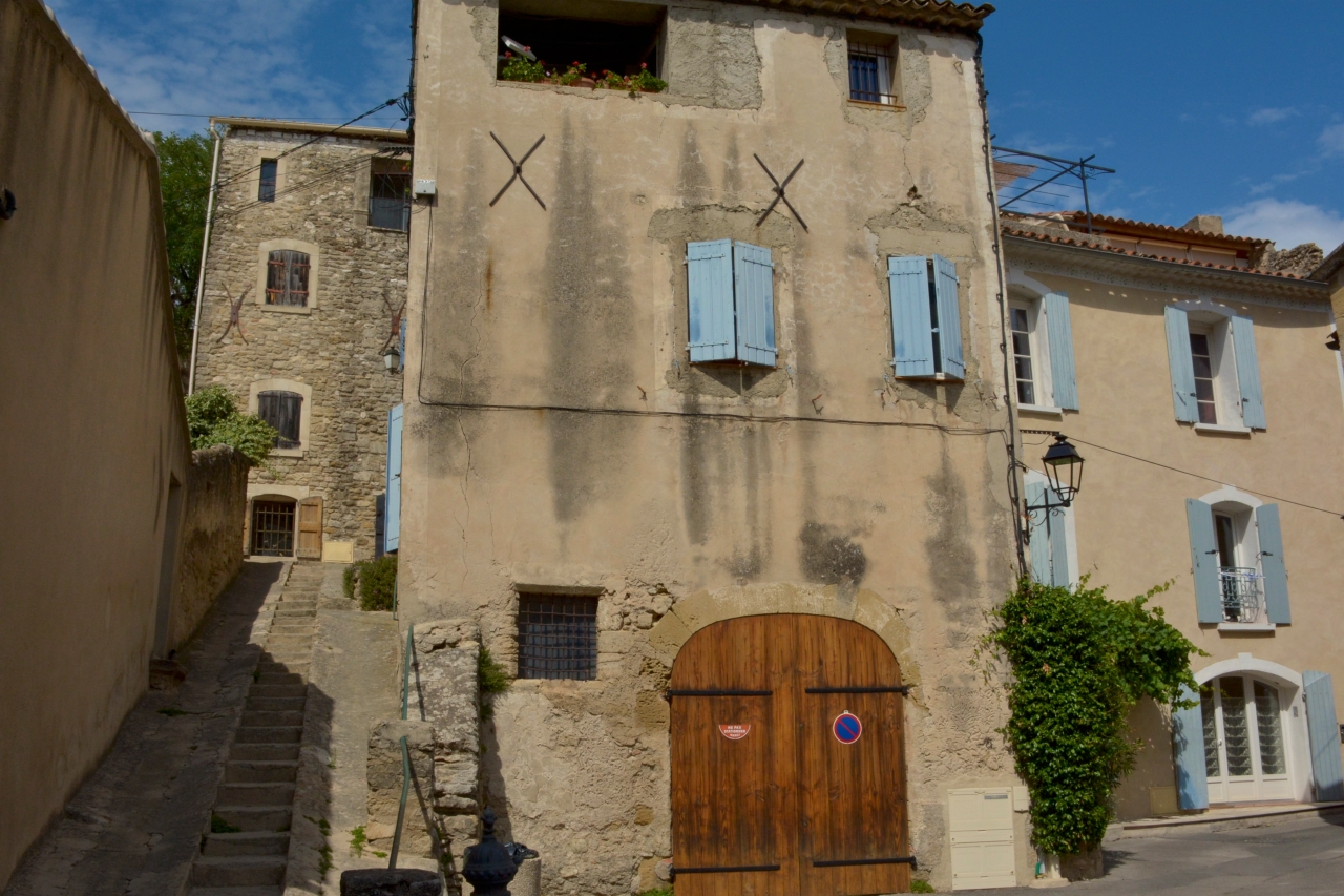 Provence Cucuron Fassade
