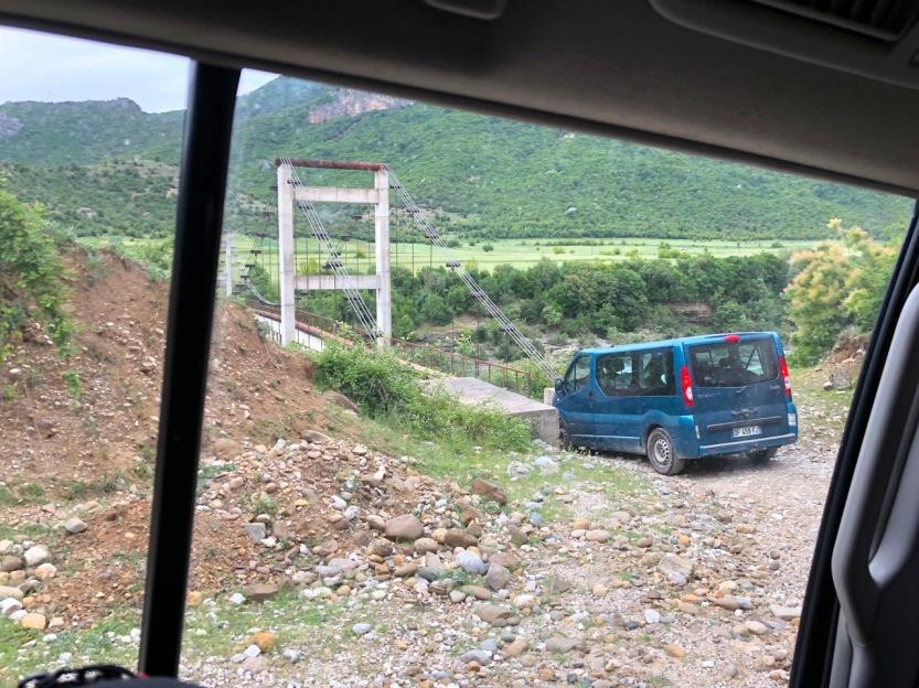 Albanien Camion Brücke